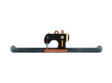 """Imagem de CAB008881 ... Cabide Decorativo em Madeira """"Hangert Machine"""""""