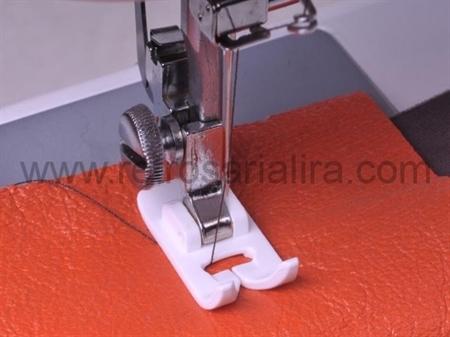 Imagem de PMC002193 ... Calcador de TEFLON para Coser Peles e Napas